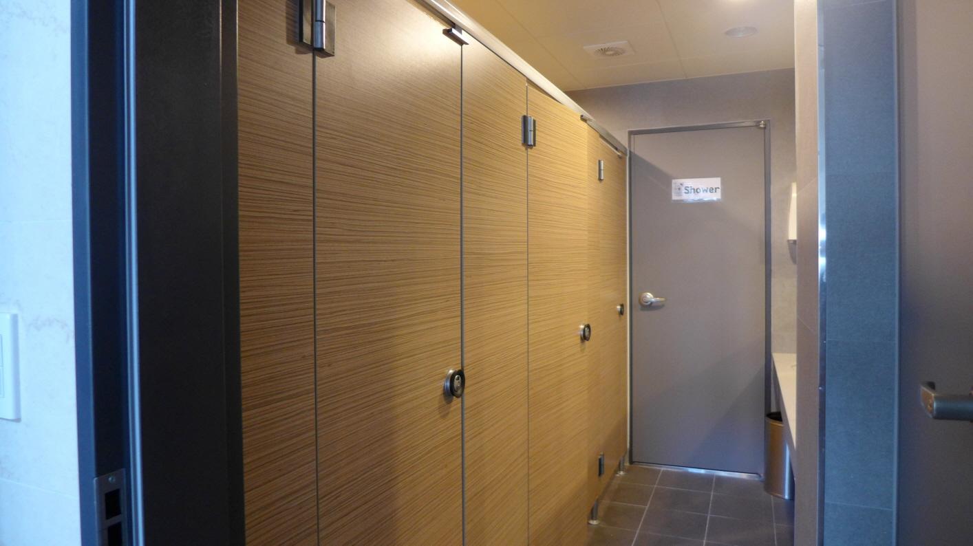 화장실 내부 1.JPG